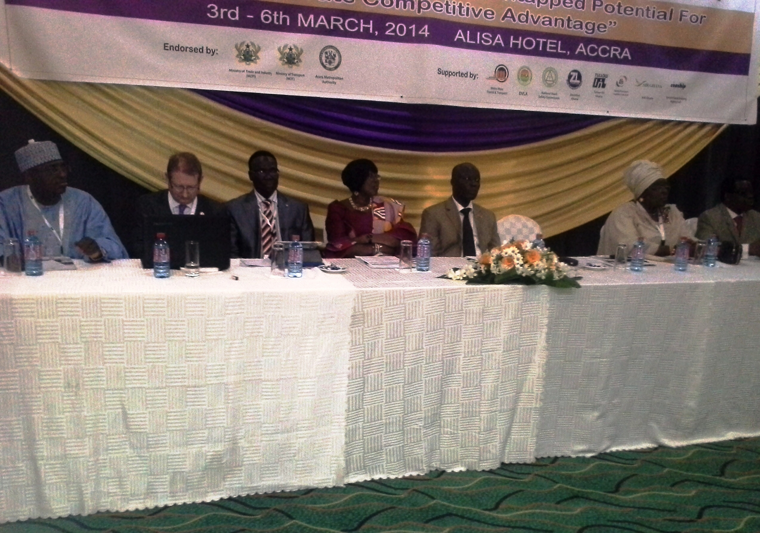 dignitaries-at-the-high-table
