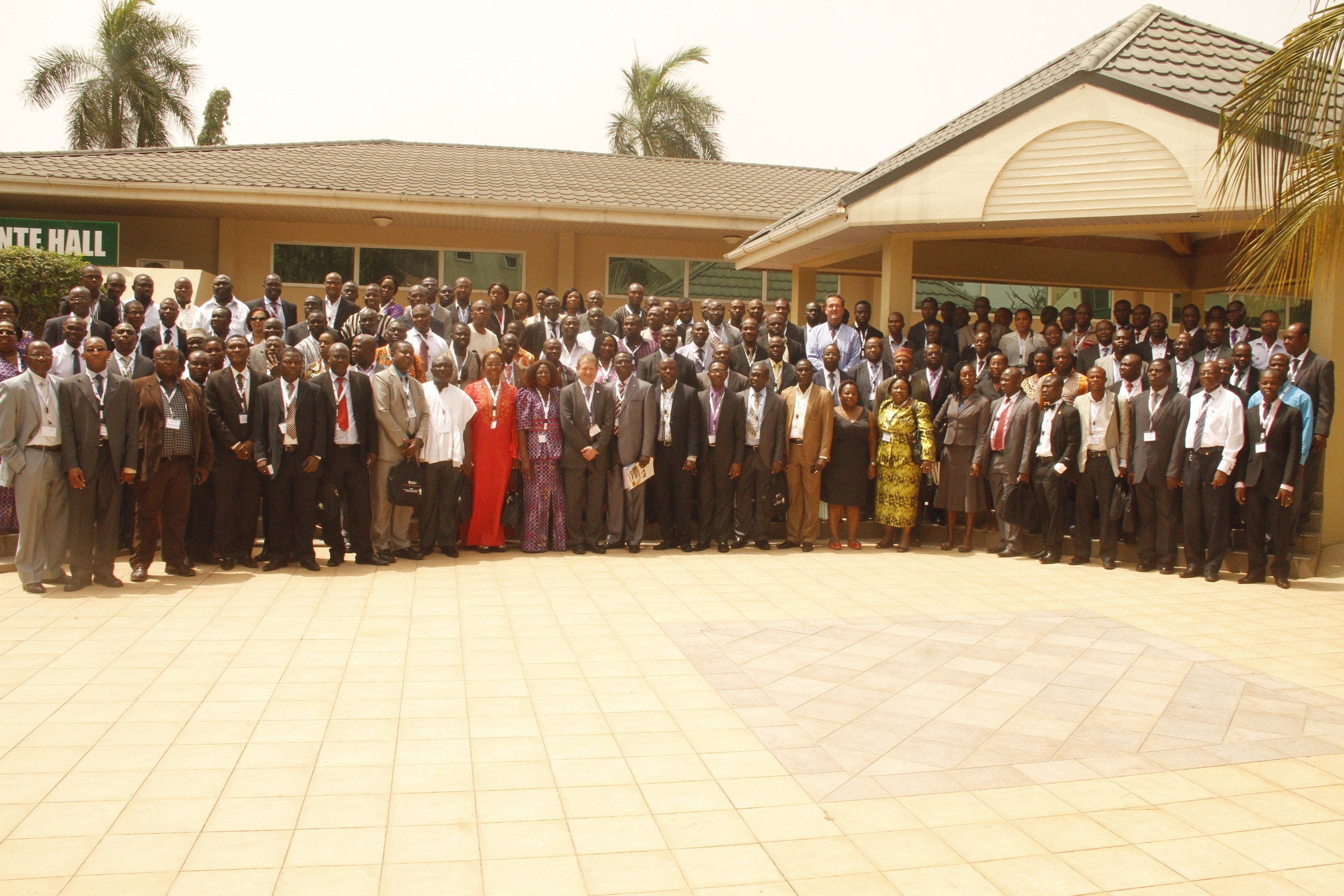 group-picture-of-delegates-africa-forum-in-ghana