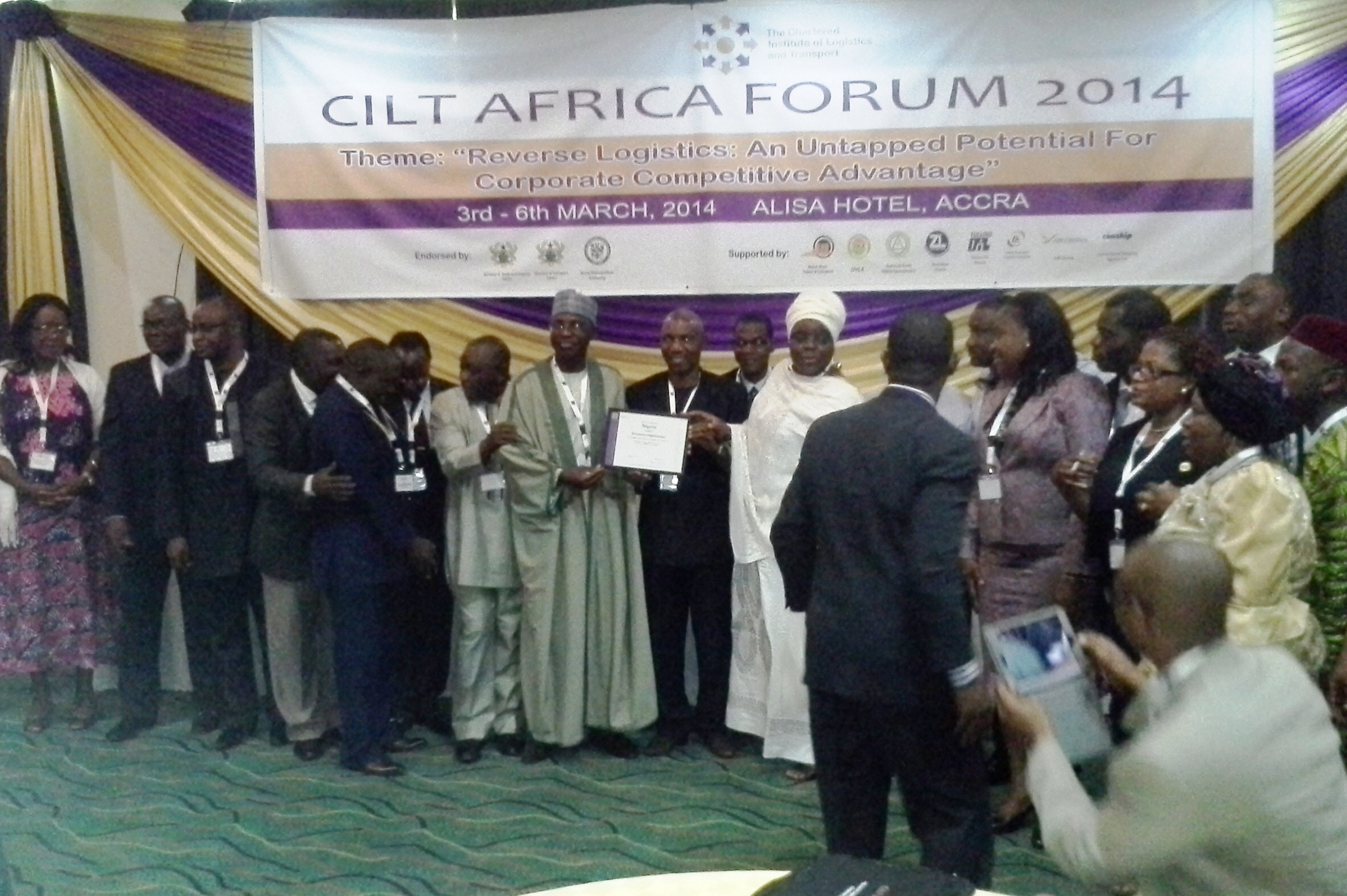 national-president-cilt-nig-in-a-group-photograph-with-delegates-from-cilt-nig-after-the-presentation-of-the-territorial-certificate