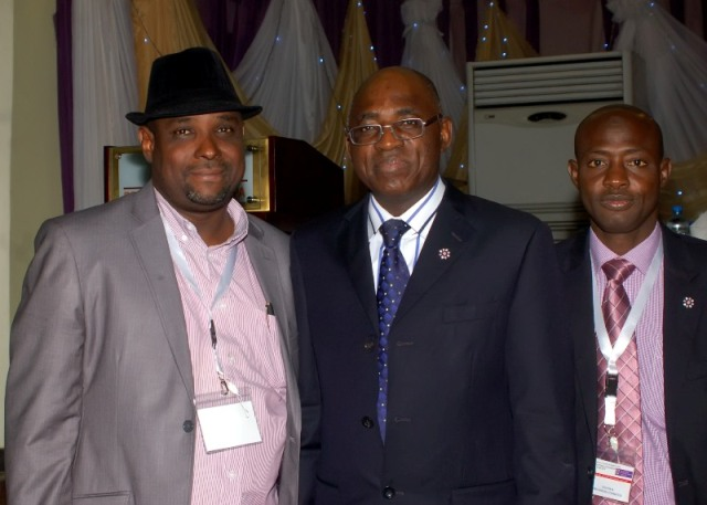 CILTN Nat'l President (middle) with some members of the Institute