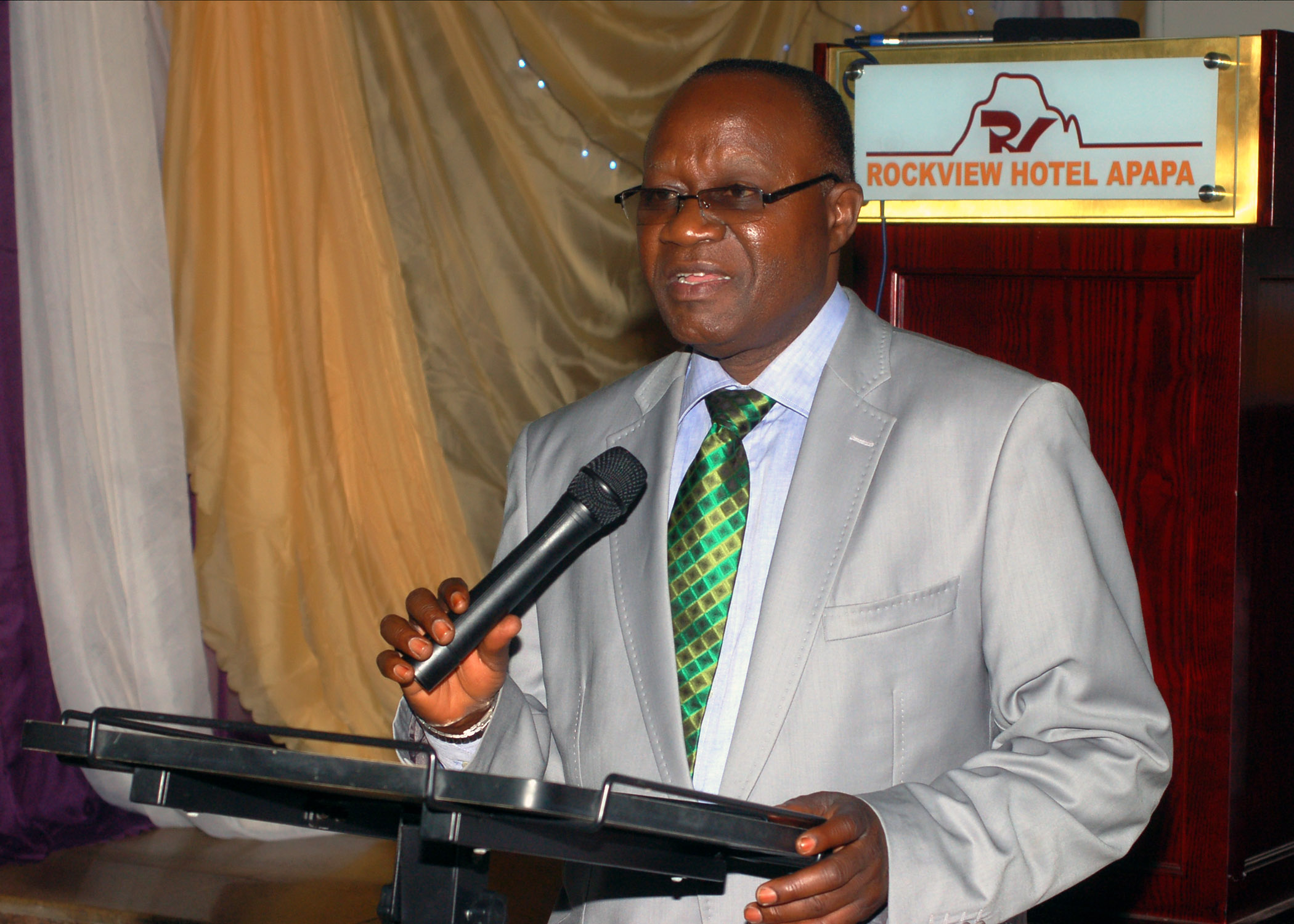 Mr. Francis Ehiguese (NED, CILT) addressing d delegates