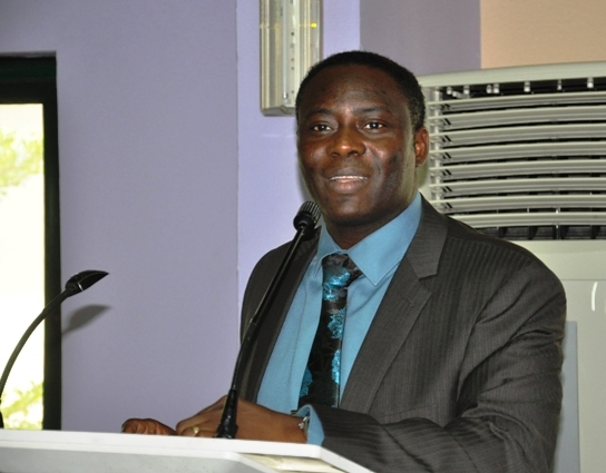 Mr. Bob Nabena Felix, CMILT making a speech @ d Forum