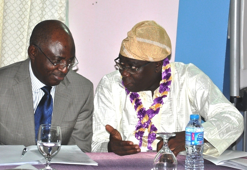 L-R, Maj. Gen U.T. Usman (FCILT) Nat'l President, CILT, Nig in a chat with Prof. Kayode Oyesiku FCILT, Vice President CILT, Nigeria @ the event