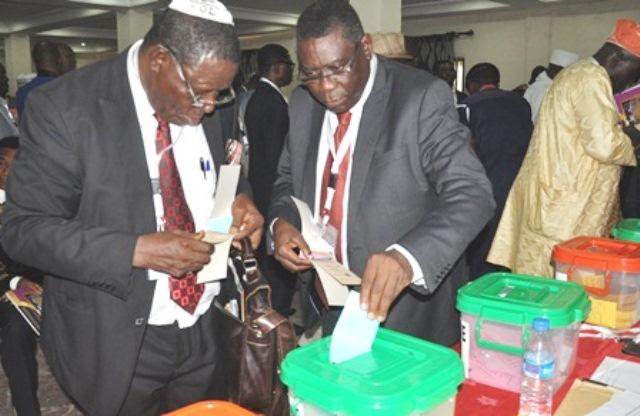 Prof. Kayode Oyesiku, FCILT casting his vote