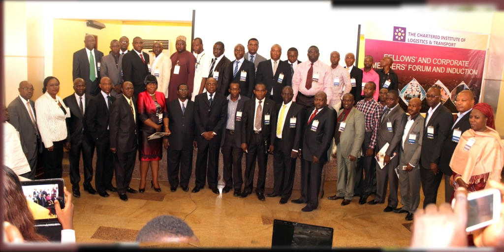 CILTN Nat'l President (9th frm L) & Inductees @ the Fellows & Corporate Members' Forum