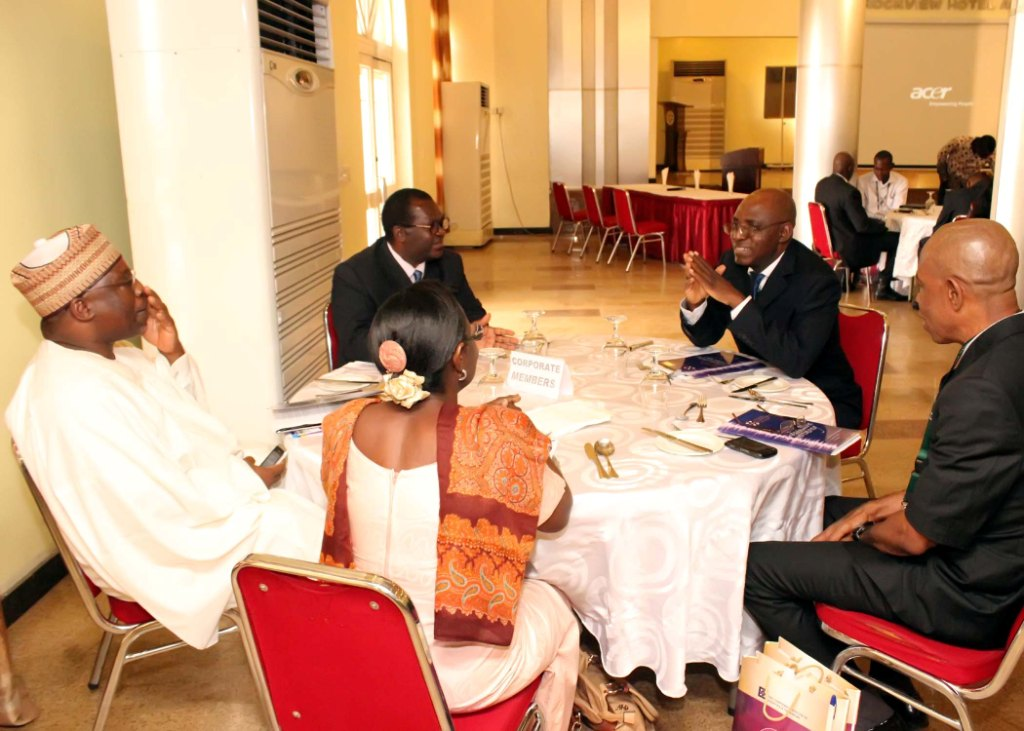 CILTN, Nat'l President in a chat with the Guest Speaker, Miss A. Sonaike & other key functionaries @ the Forum
