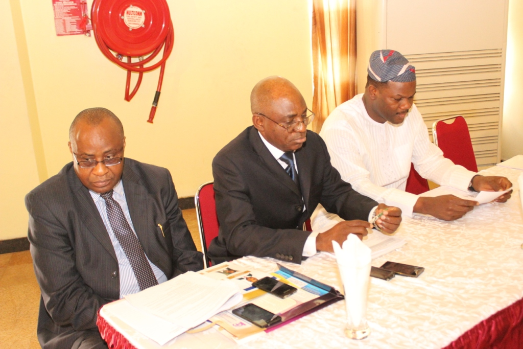 R-L- Dr. A. Dosunmu (Chairman of the Forum), Maj Gen UT Usman (Rtd), Nat'l President & rep of the MD, NRC @ the high table