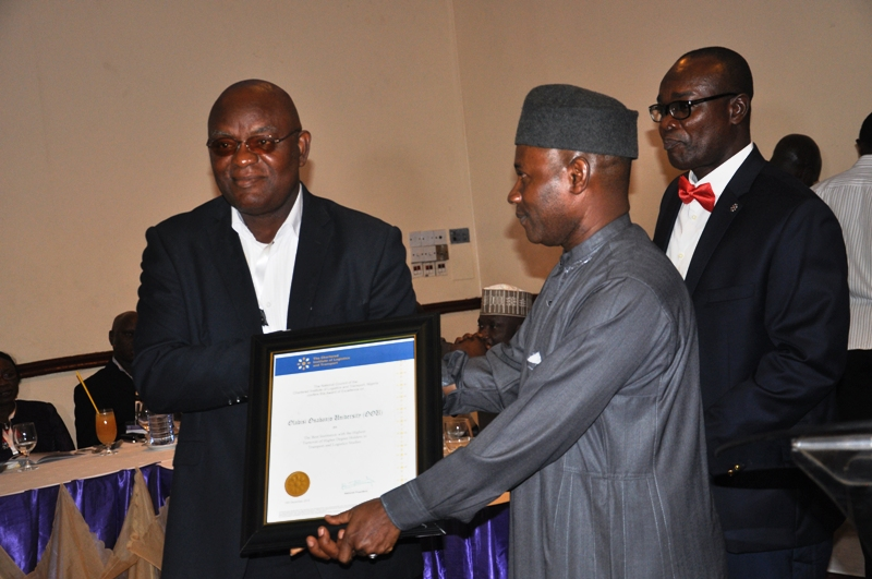 Presentation of award to Olabisi Onabanjo University
